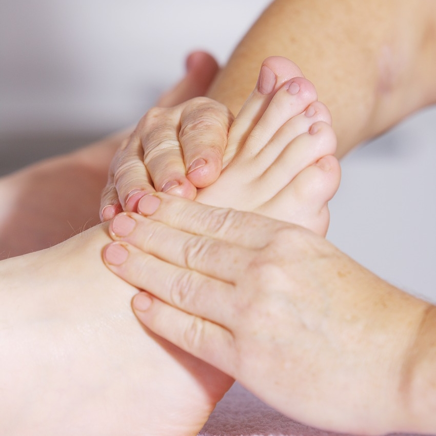 STUDENT REFLEXOLOGY - Reflexology is a technique that focuses on specific pressure points within your feet to help correct energy flows throughout your body.60 minutes • $35BOOK NOW