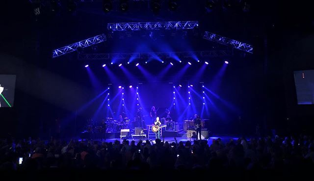 Gary Allen and his touring team rocked the house with support by the OMNI Production crew.