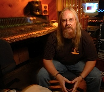 Tom Graefe   Producer & Founder of Graefe DesignsTM Tom Graefe is a 20-year MCI/Sony Pro Audio veteran, Manager of Console Design, Co-Founder of Ft. Lauderdale's Musicians Exchange Music Complex, and Soundshine Productions Recording Studios, Amp Designer.