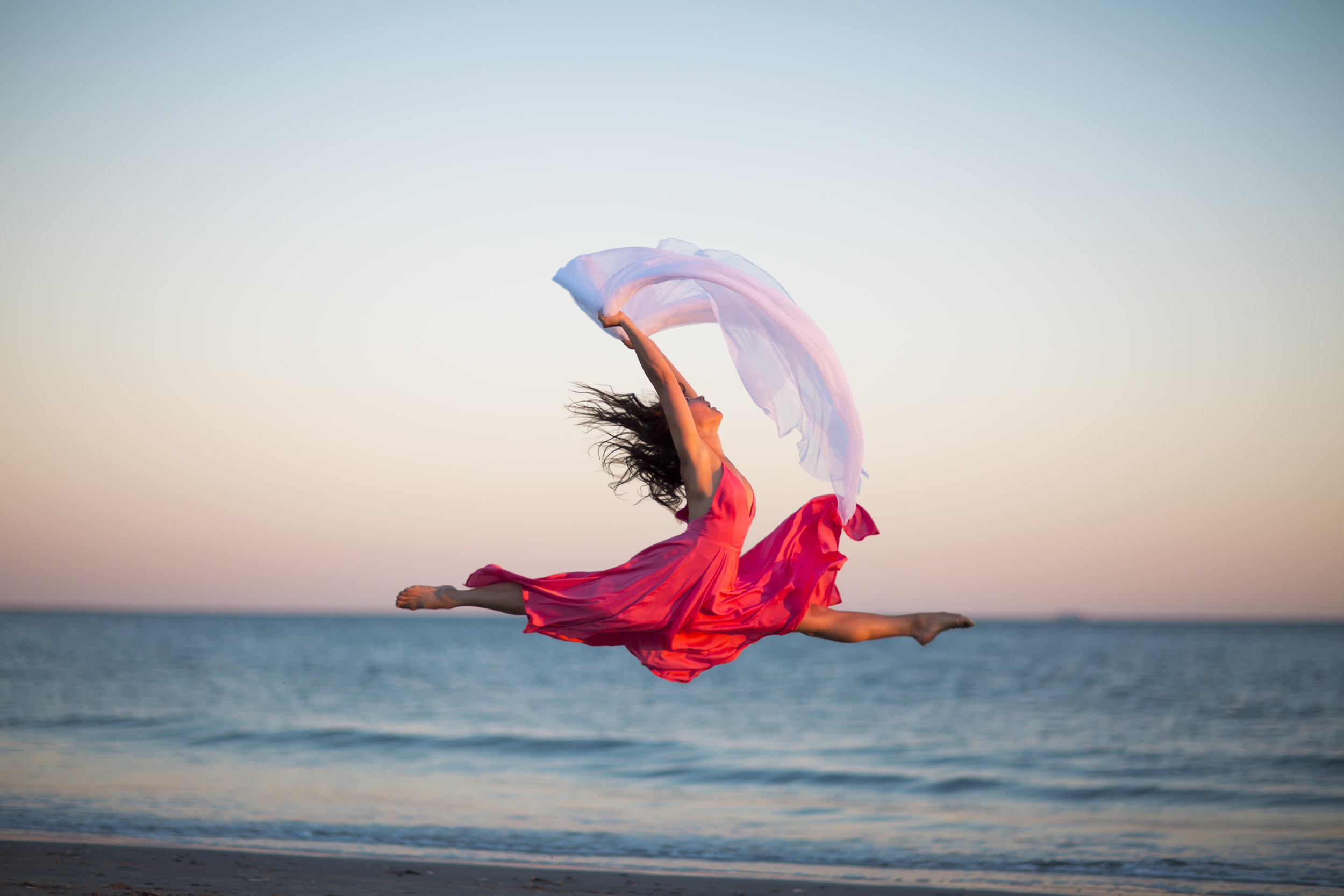 - DANCE. YOGA.HAPPY LIVING.