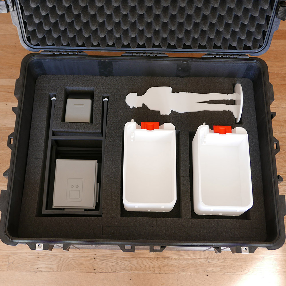 sales-model-travel-case.jpg