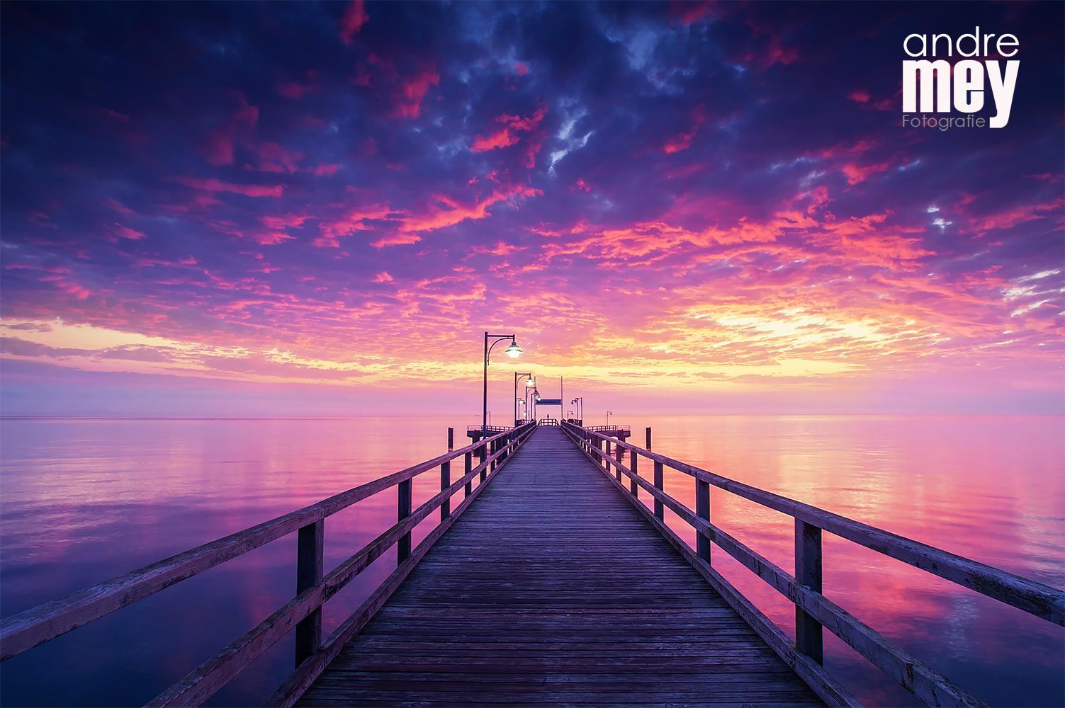 Ich liebe das Meer. Diese Aufnahme entstand im Juli 2007 beim Sonnenaufgang, als ich einen einwöchigen Fotourlaub auf Usedom genoss.