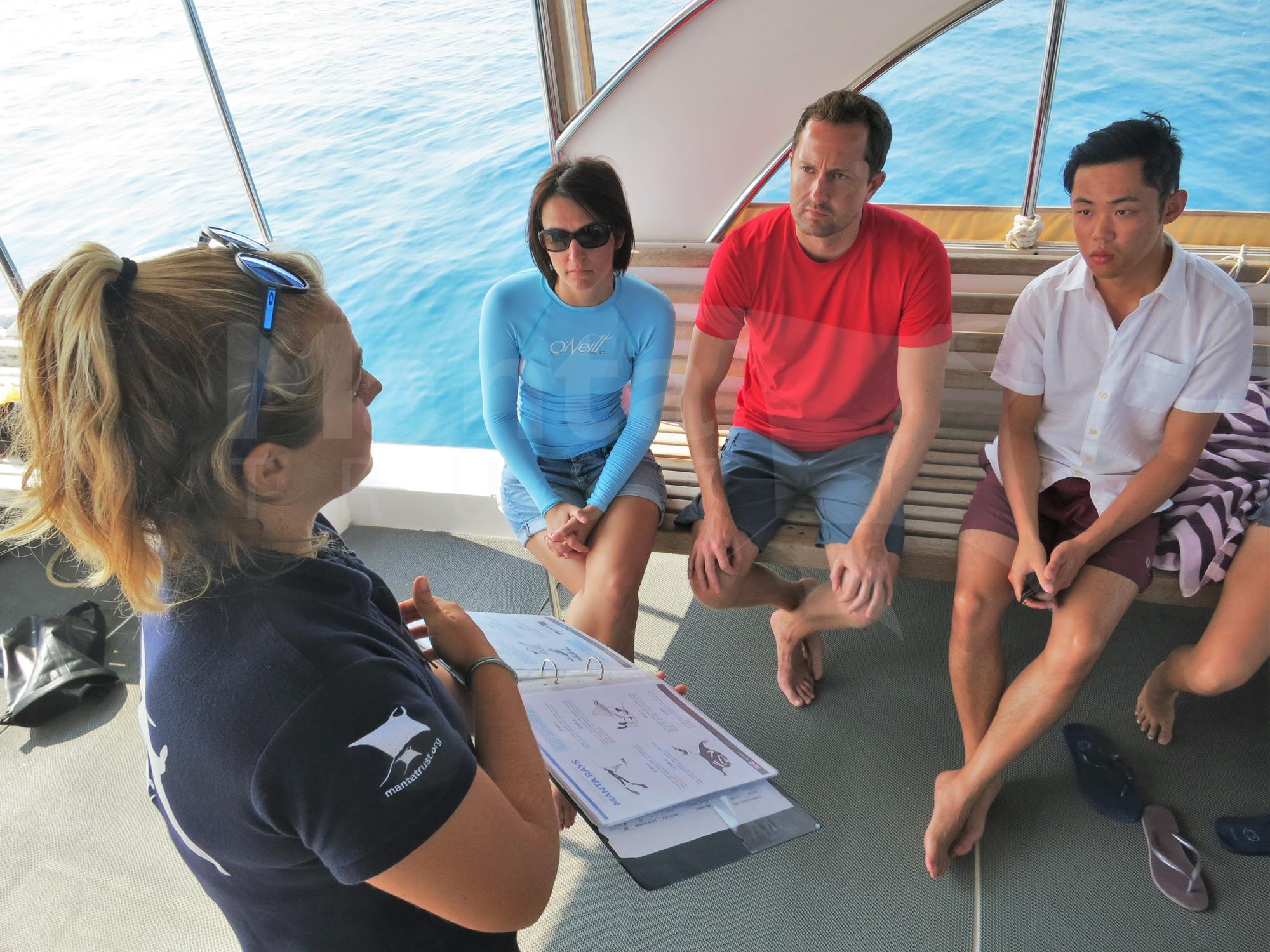 MT_Giving Manta Briefing with 10 Step Guide_Lhaviyani, Maldives_Nong (8).jpg