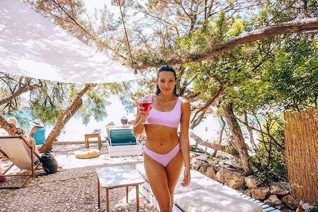 Lilac and rose are my 2 favorite colors 🍷 . . .  #TLpicks #letsflyawayto #darlingescapes #travelawesome #globelletravels #travelandleisure  #wonderful_places #beautifuldestinations #europe_greatshots #fulltimetravel #croatia #croatiatravel #visitcroatia #croatia_ig #croatia_lovers #hvar