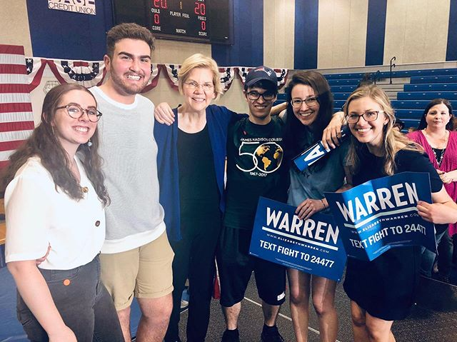 "It was so great to welcome 2020 presidential candidate @elizabethwarren to Lansing today. After our photo, the Senator told @msudems, ""I'm in it for you. For your tuition, your debt, your futures. Thanks for coming out today."""