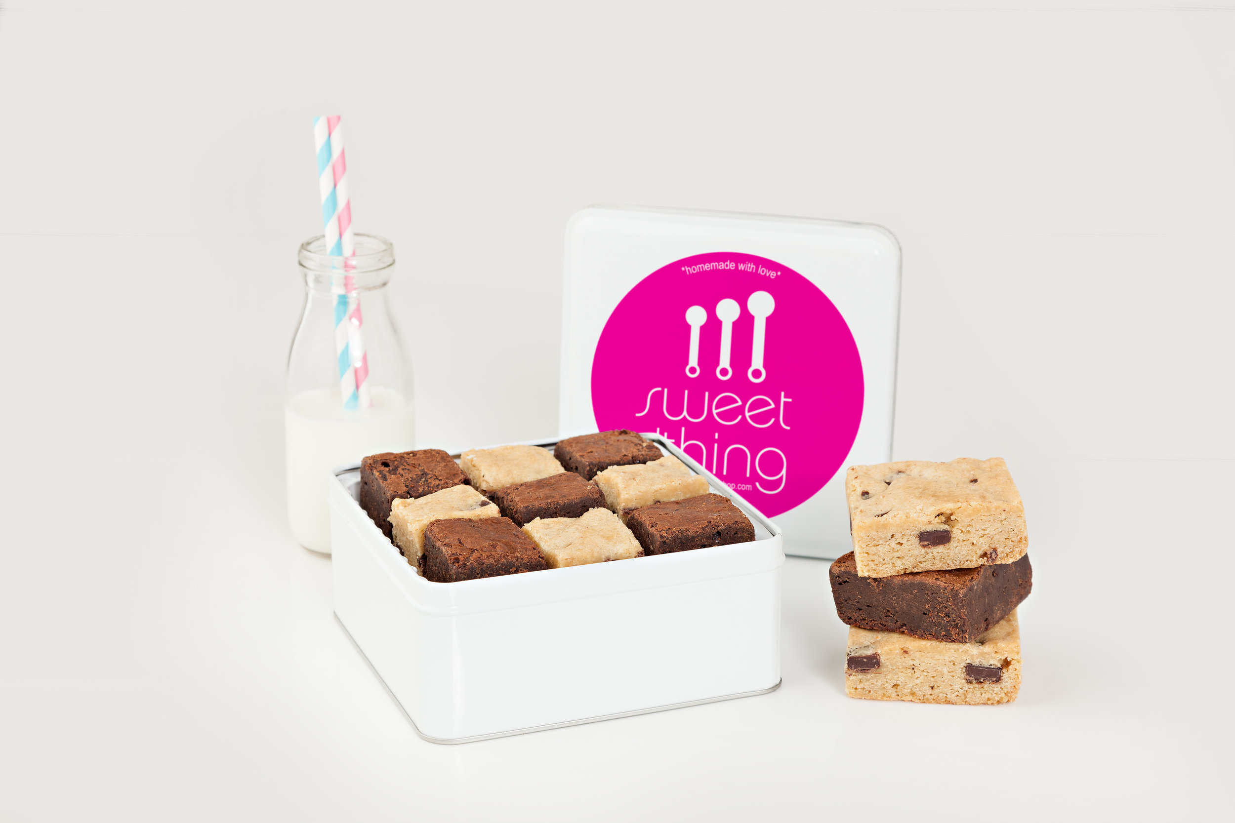 SQUARE TIN WITH BROWNIES/BARS