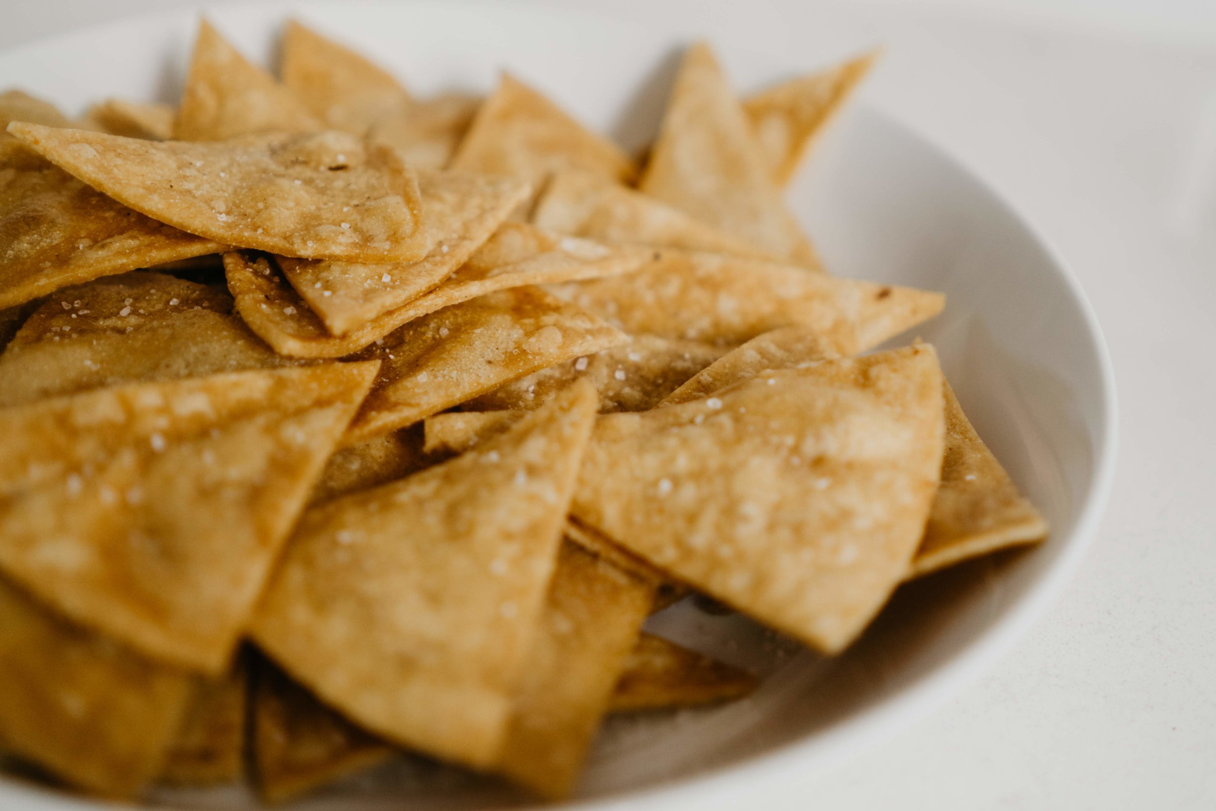 Homemade Tortilla Chips - use up those leftover tortillas!  /// DOODIEBEARZ.COM