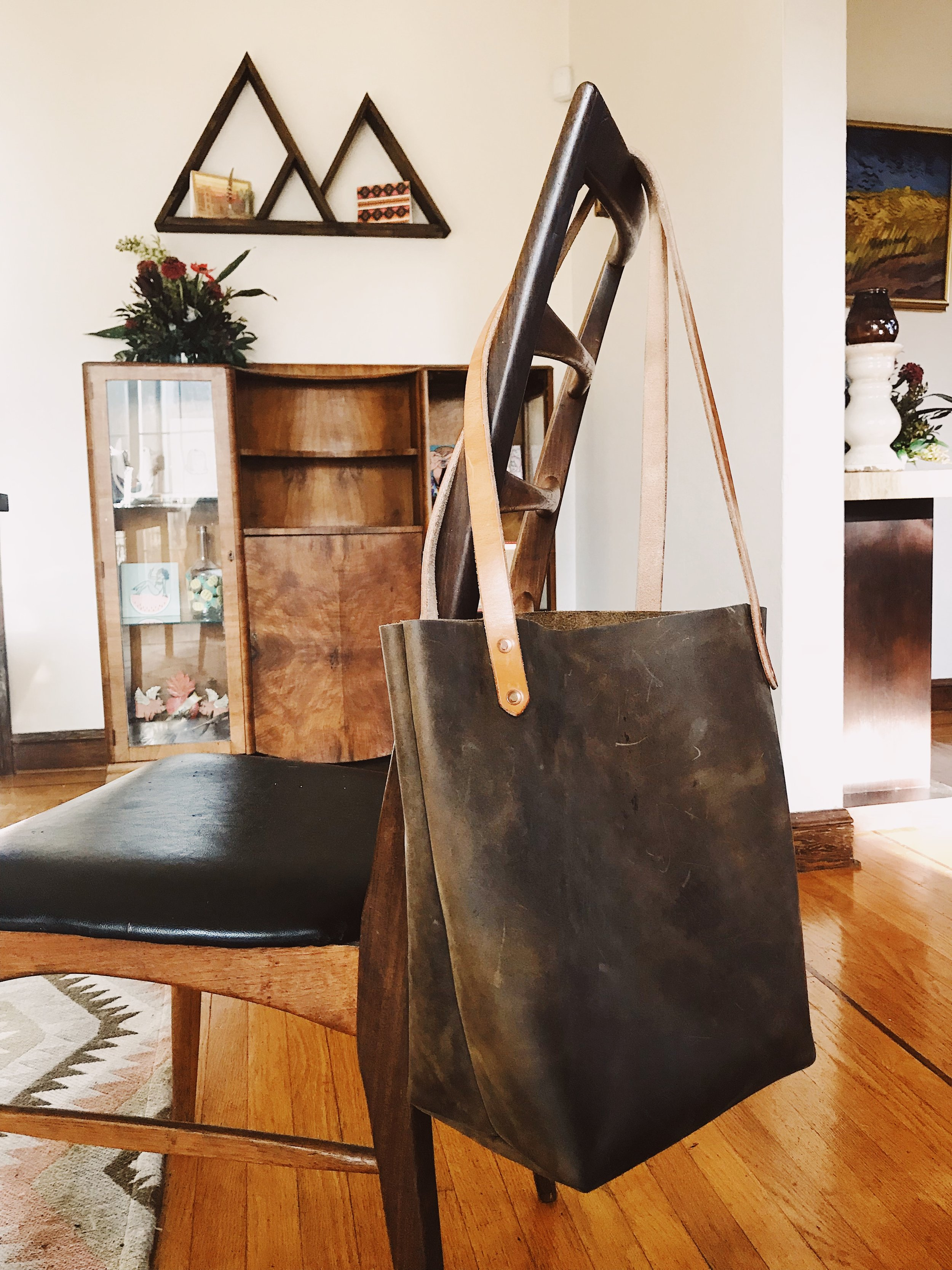 Ferry Tote in brown – worn appx. 6 months