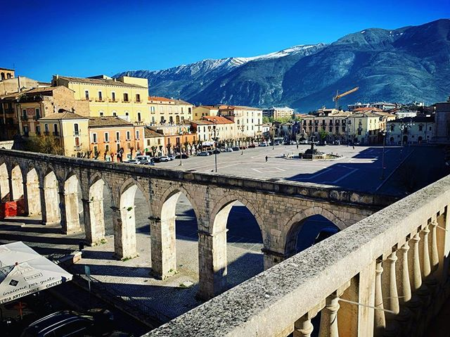 A good sunny Sunday morning from #sulmona #bbseistelle #sunshine #abruzzo #seistellemood