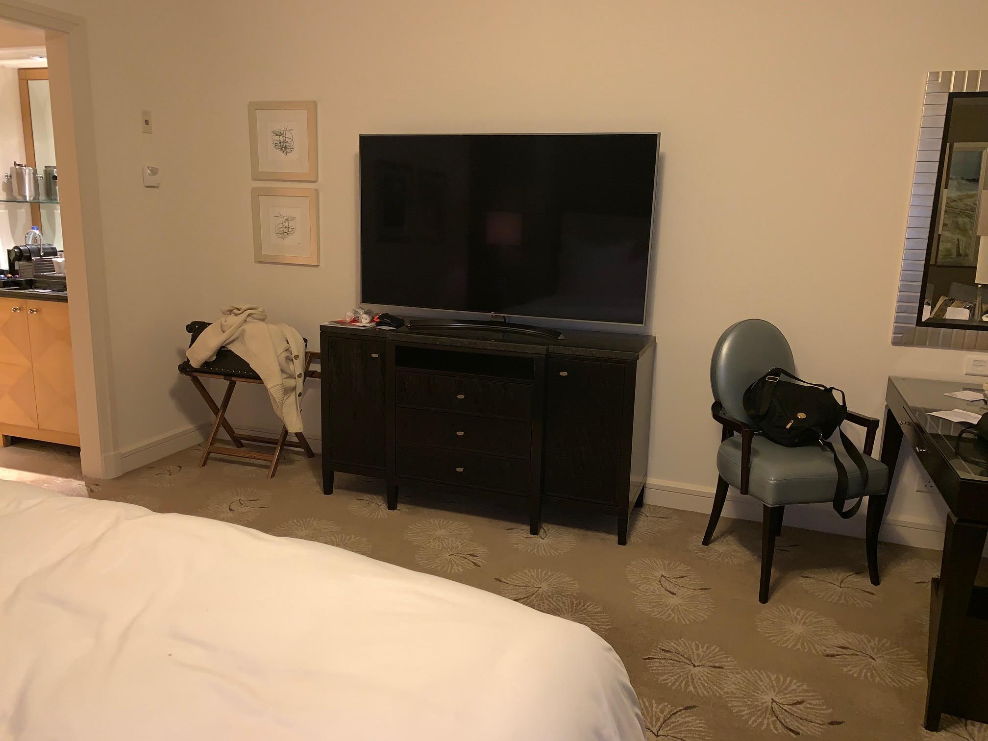 Room Tv.jpg