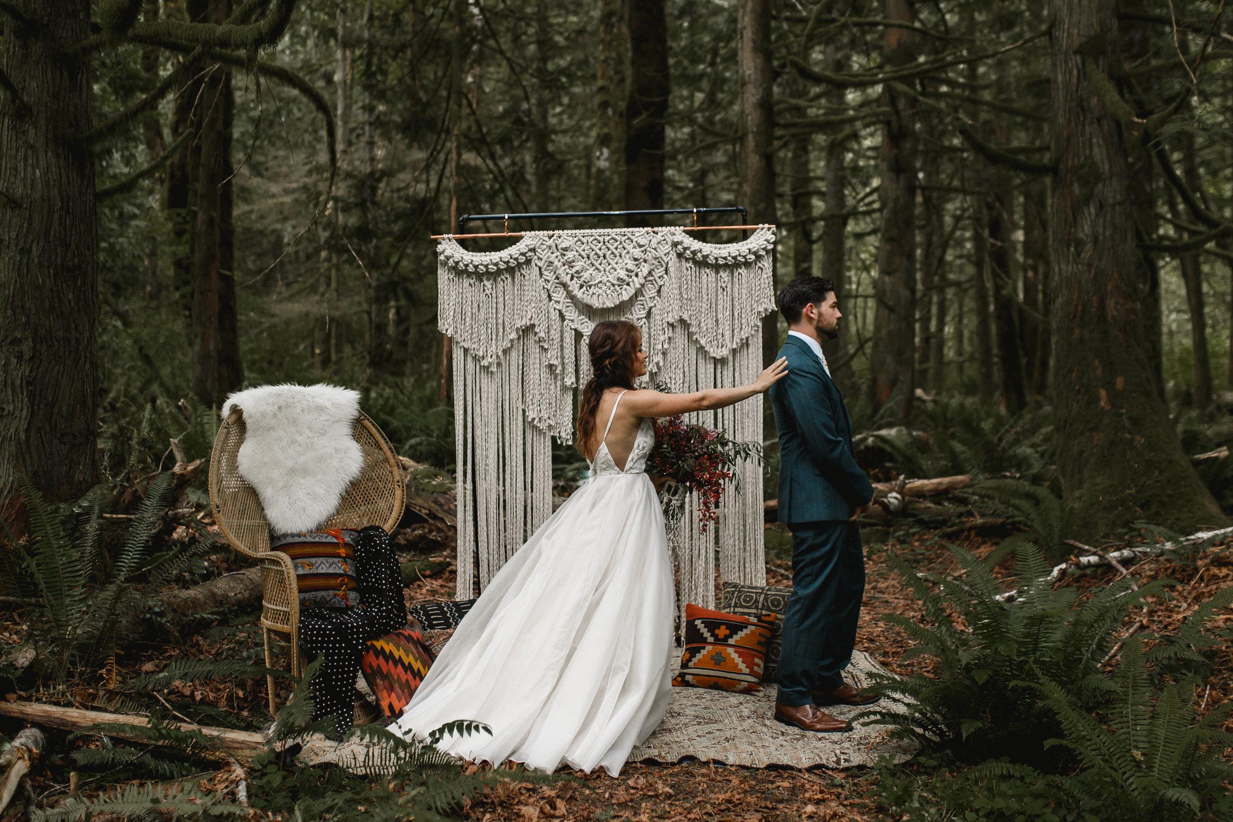 deep-woods-boho-elopement-40.jpg