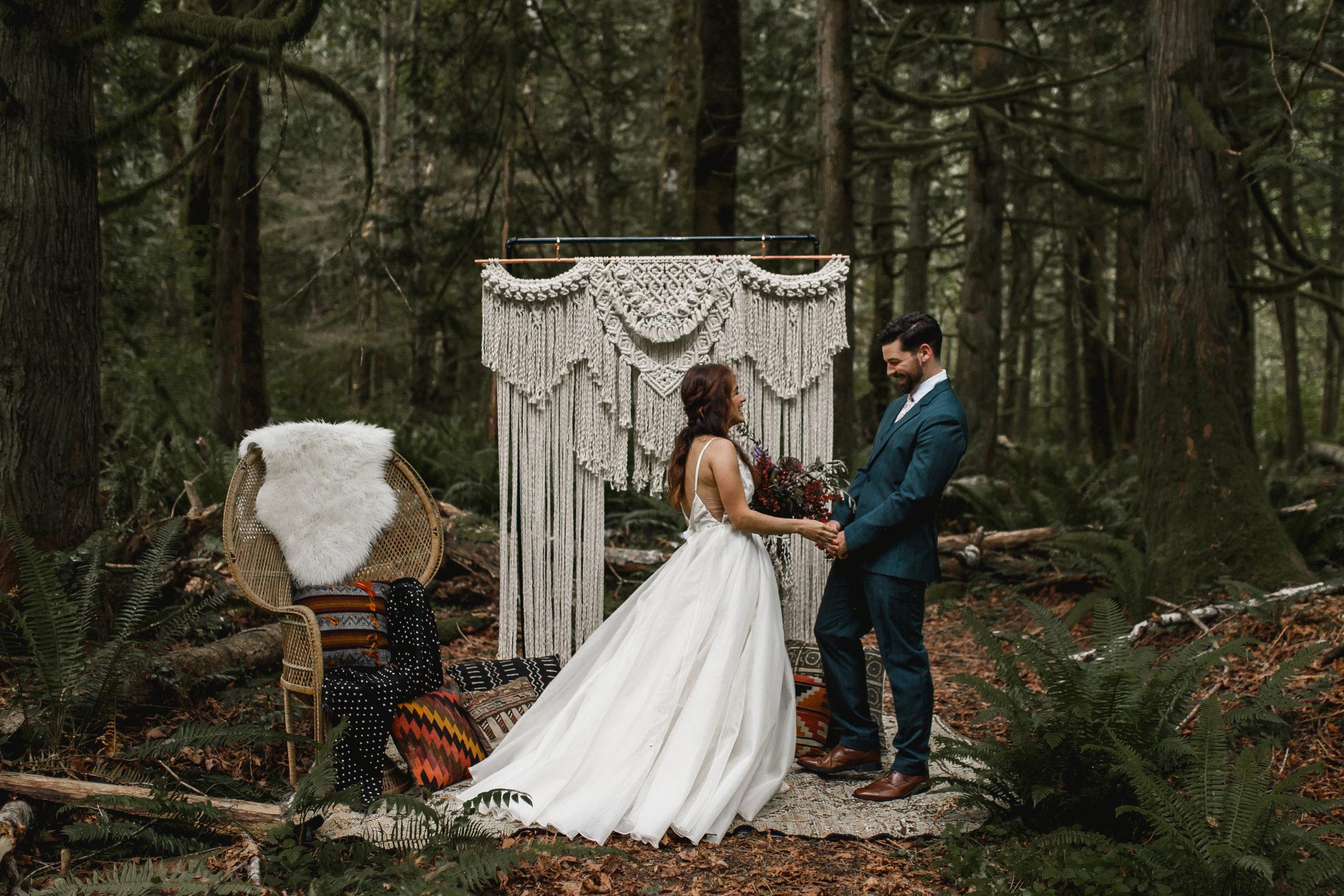 deep-woods-boho-elopement-43.jpg