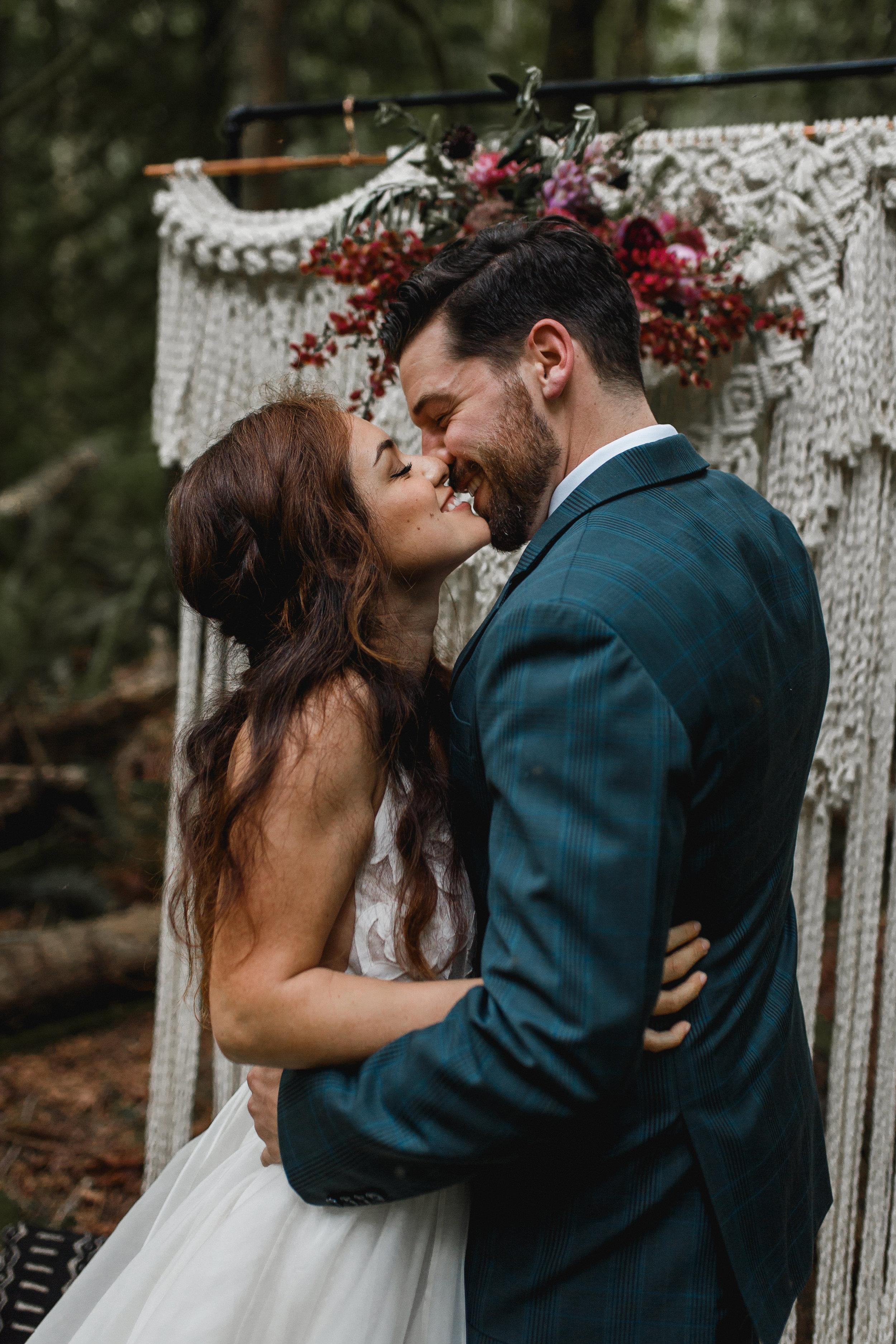deep-woods-boho-elopement-55.jpg