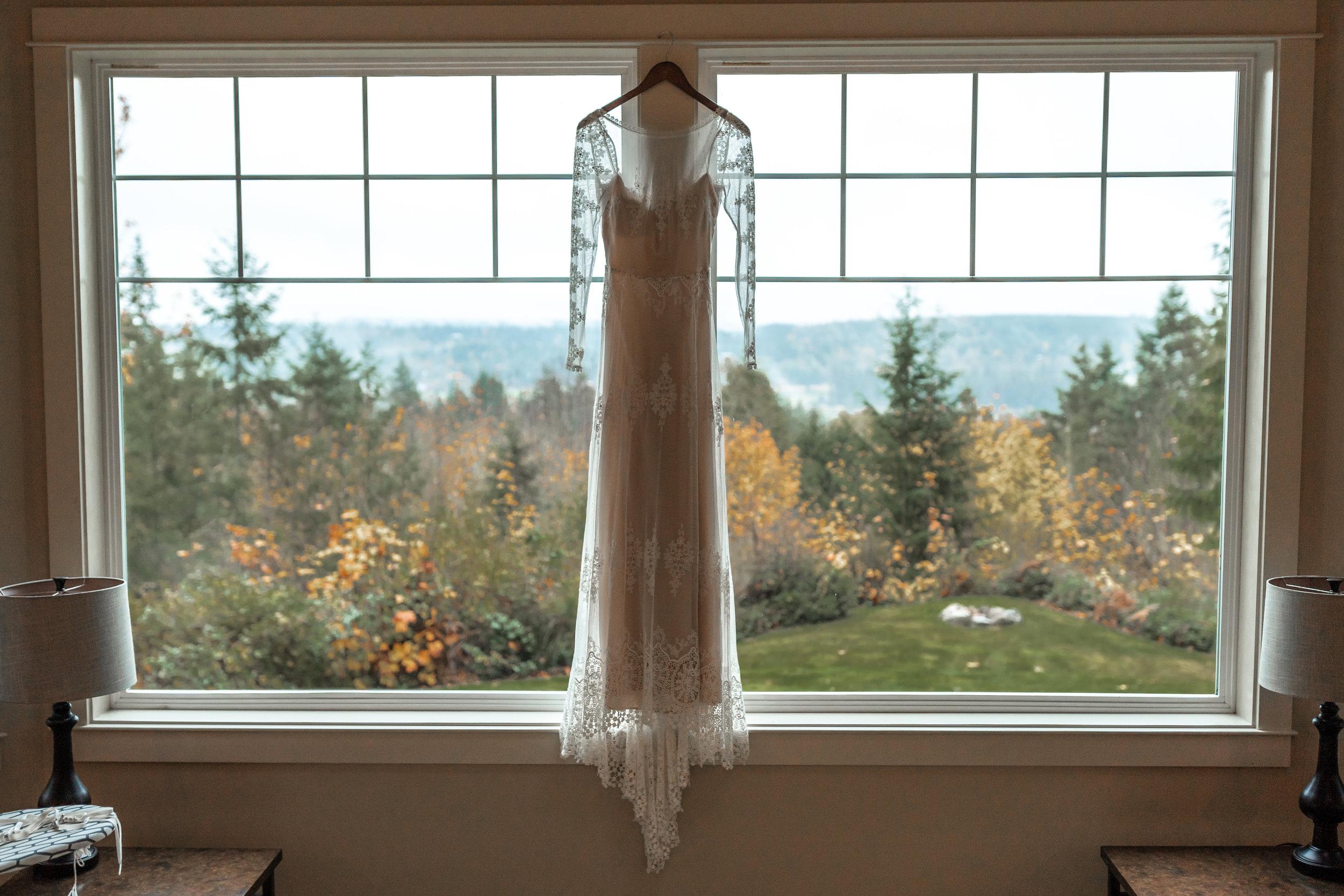 Olympic Peninsula Wedding. Between the Pine. Washington Wedding Photographer Seattle, WA