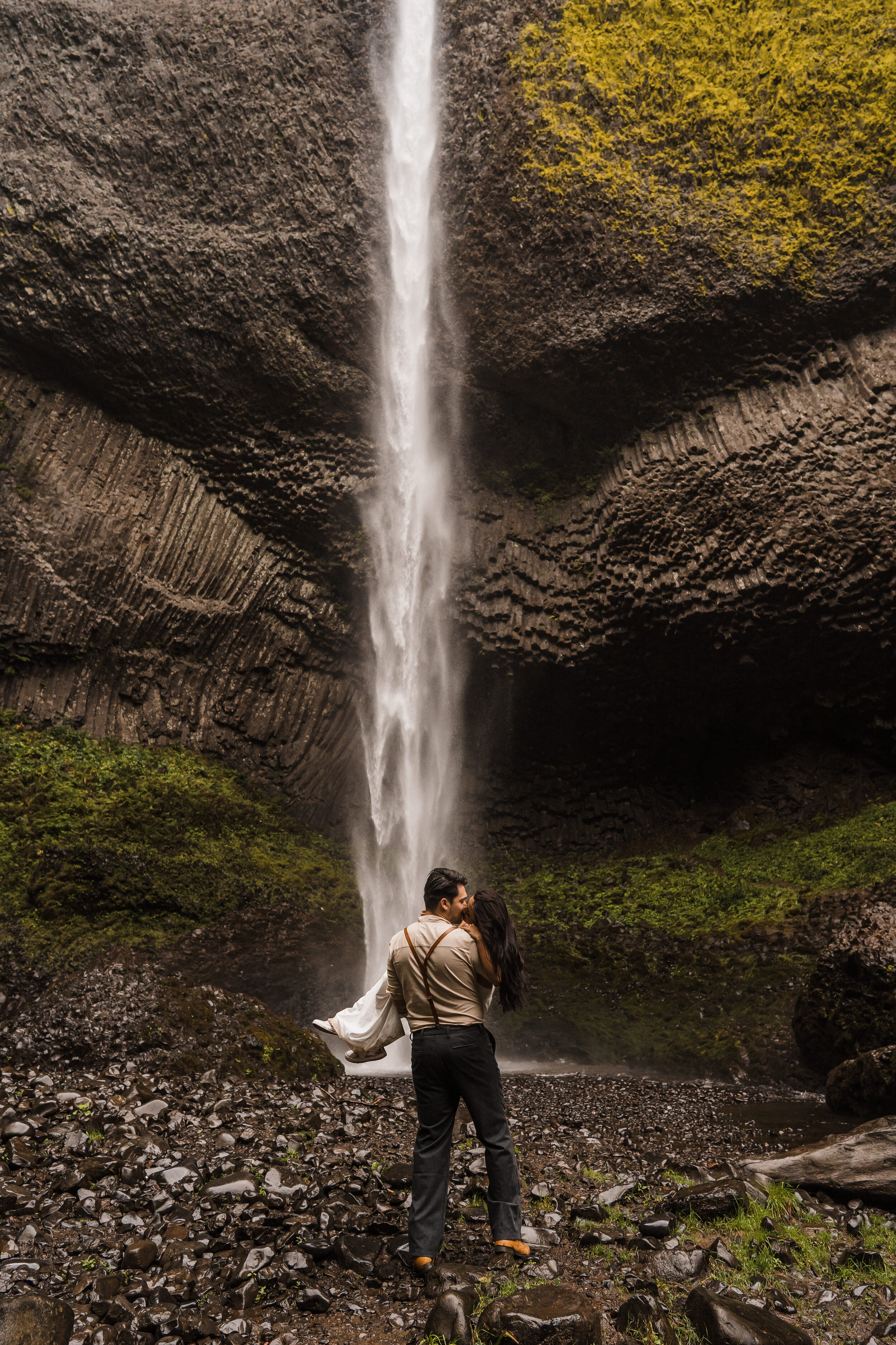 Columbia River Gorge: Elopement Style Vow Renewal-111.jpg