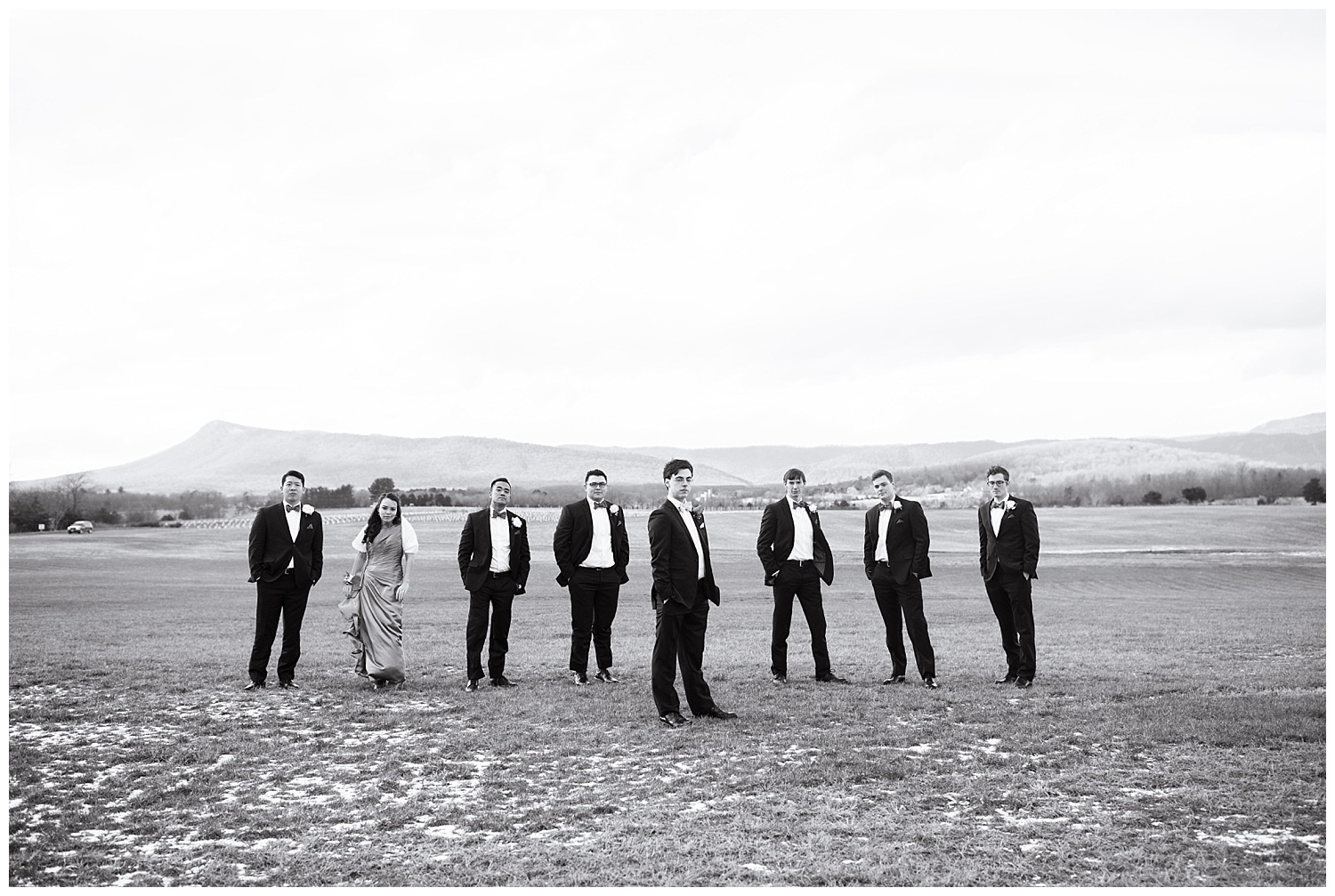 lynchburg_wedding_photographer_the_columns_at_six_penny_farm_0045.jpg