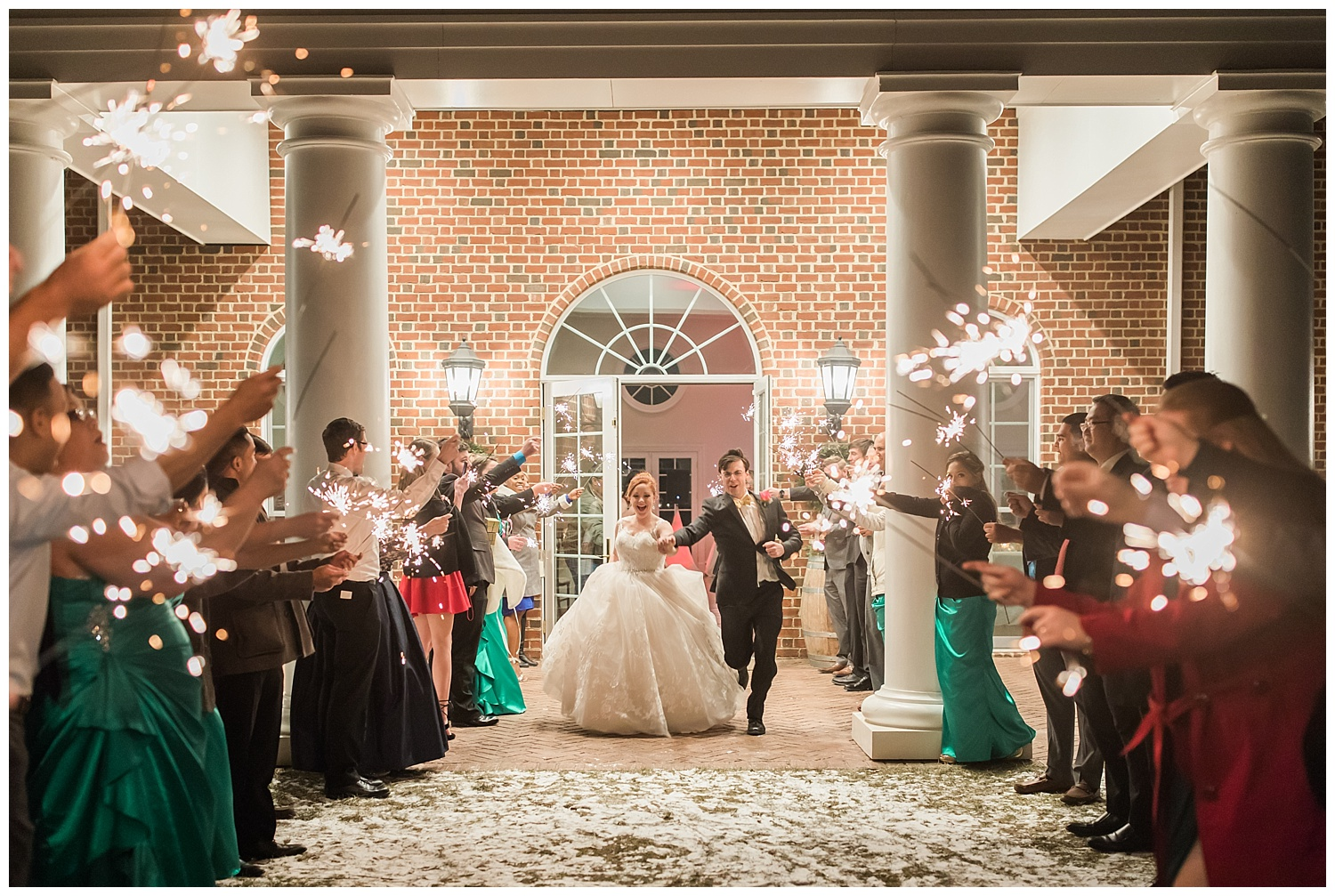 lynchburg_wedding_photographer_the_columns_at_six_penny_farm_0066.jpg
