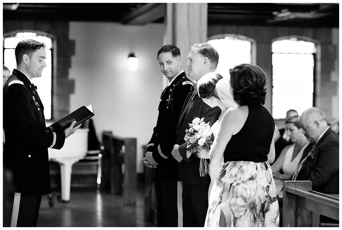 lexington_wedding_photographer_brittany_tyler23.jpg