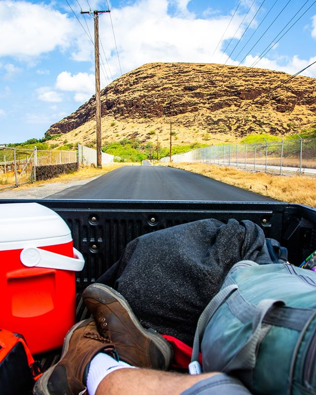 Can't really explain what it feels like sitting in the bed of a truck going down the freeway. . All I can say: If you have the opportunity to do so, do it. . . . #sigma #17to70 #canon #teamcanon #7DMarkII @canonusa #mountains #pacific #ocean #farms #adventure #hawaii #oahu #respect #roads #water #moon #theearthworker @theearthworker #travelgram #personalrig #filmmakinglife #filmmaker #filmmakersofinstagram #theearthworker @theearthworker #hawaii #aloha #truck #boots #hitchhiking #ohana