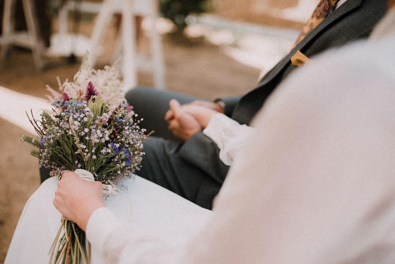 novios mano sevilla boda intima