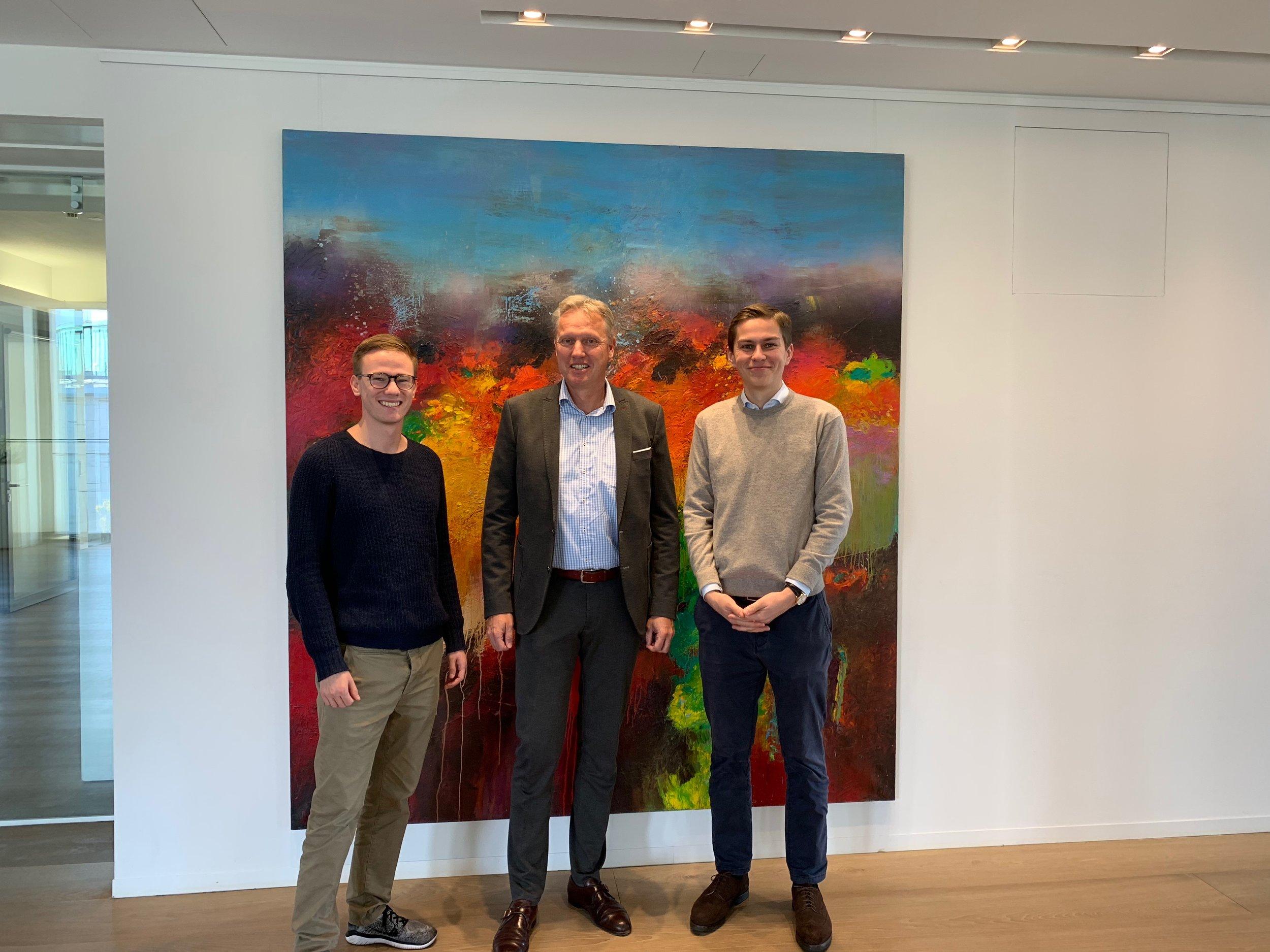 Justus, Herr Konstantin Heitmann und Johannes bei Orrick in Düsseldorf