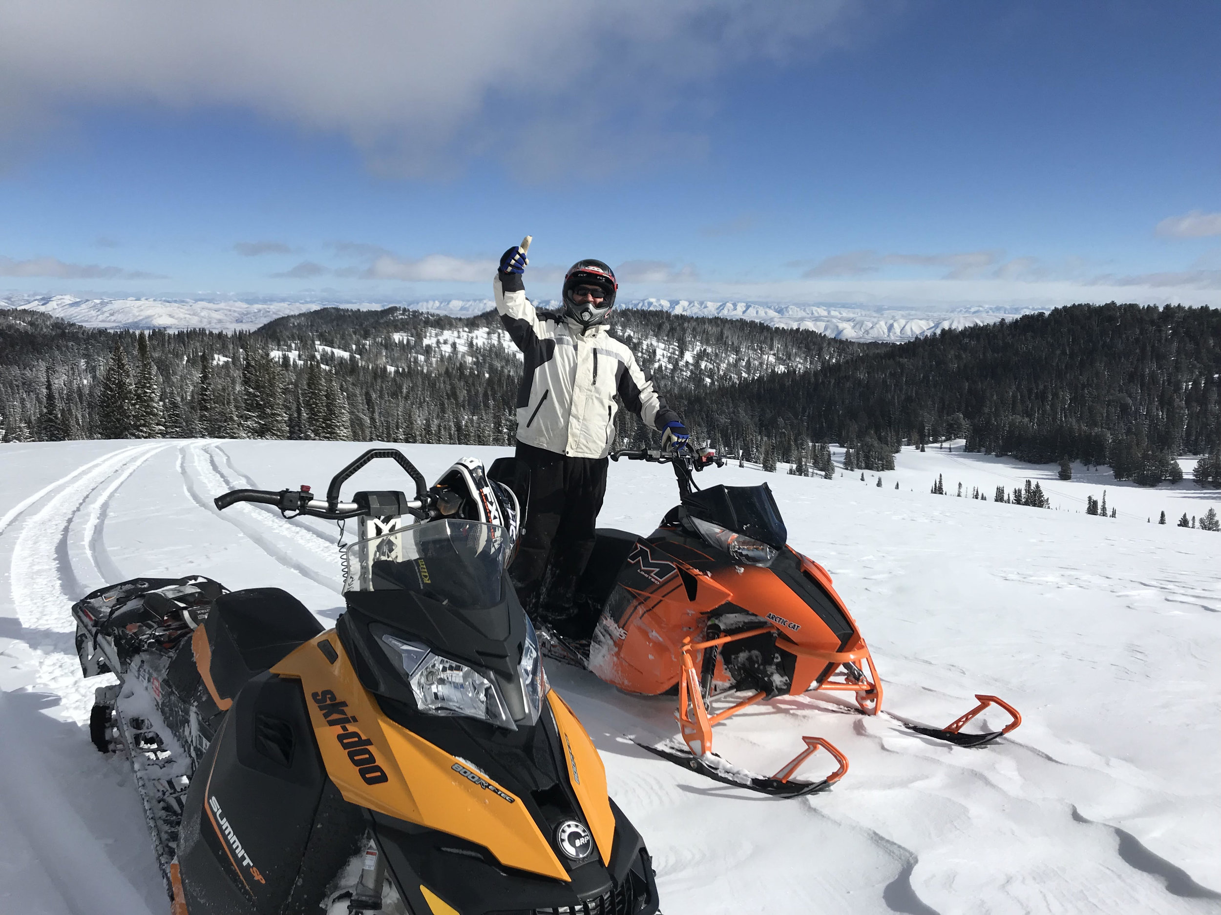 2-sleds-thumbs-up.jpg