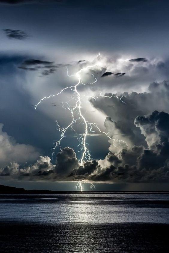 Vihar nélkül nincs béke, nincs változás, nincs evolúció.