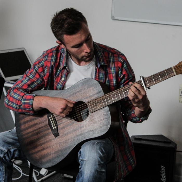 Tom, Beginner Acoustic Guitar Student