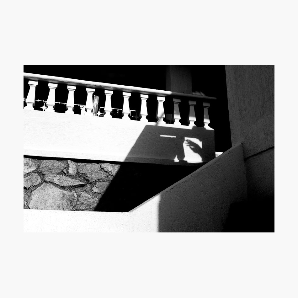 ©-2017-Harry-W-Edmonds-London-Street-Photographer-Santa-Marta-Photographer's-Note-Shadow.jpg