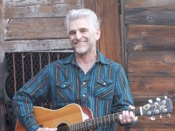 Live music by RICK KINCADE -