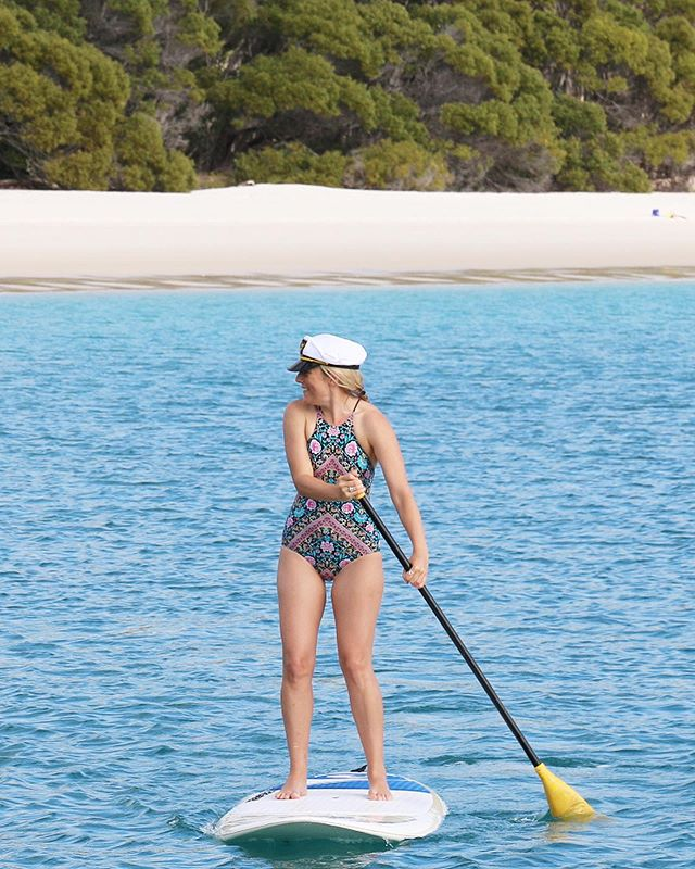 AHOY! Setting your own course so you can SUP at Whitehaven Beach with only your mates around is one of the joys of @gobareboating... and one of the myth busters you'll find in my story in @jetstaraustralia magazine this month #linkinbio