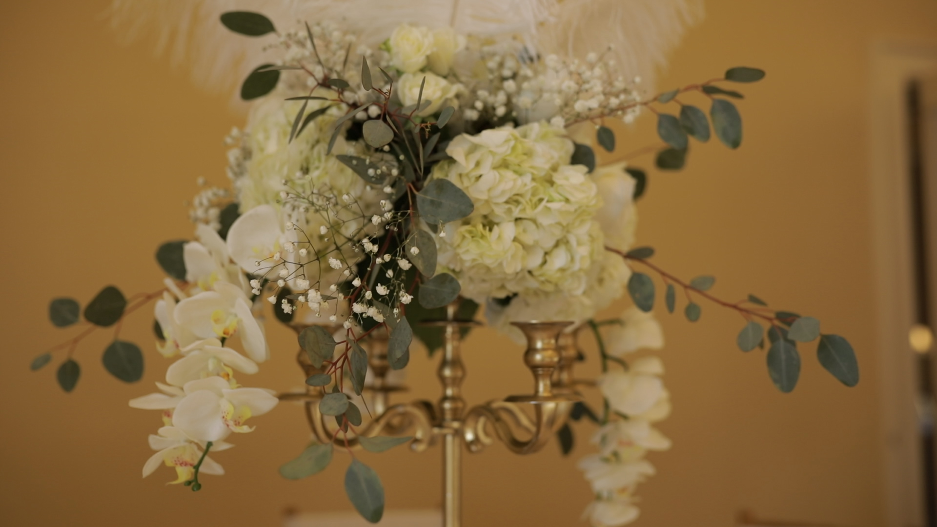 1920s inspired florals at Laurel Hall wedding