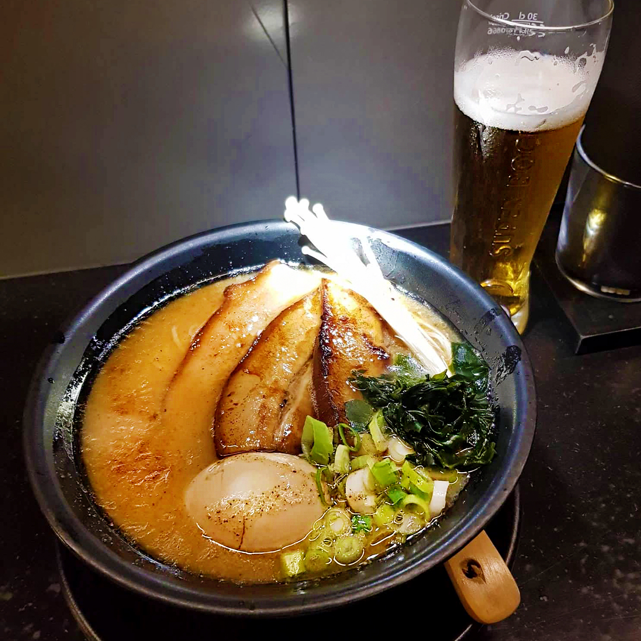Ramen e Outros RO Restaurant Porto Portugal tonkotsu ramen noodle soup