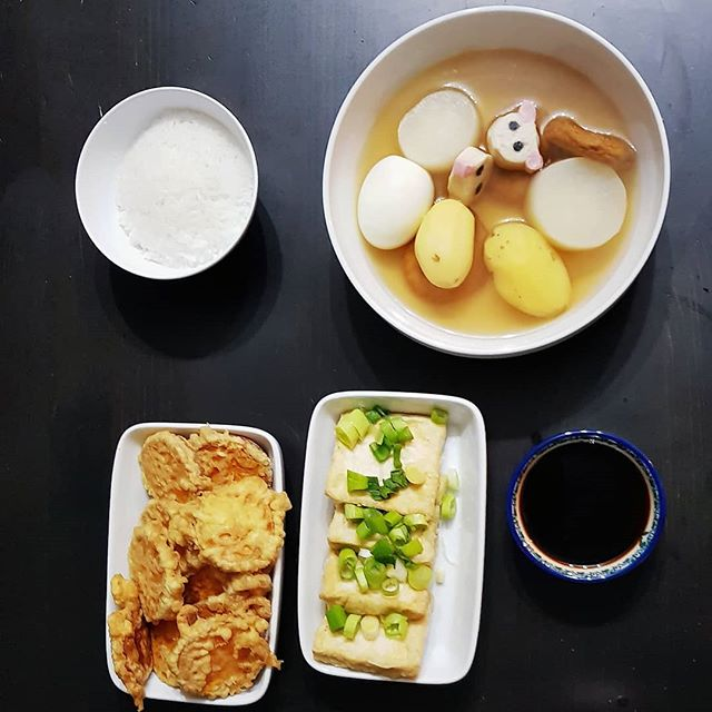 I'm still cooking a lot at home, instead of going out. As soon as it dropped to 0°C, I made Oden! Well, minus some ingredients I couldn't find. I also made fried tofu and sweet potato tempura. So I'm still getting my #asiancraving fix 😜 #theasiancraving #oden #asianrecipes #🍜🍥