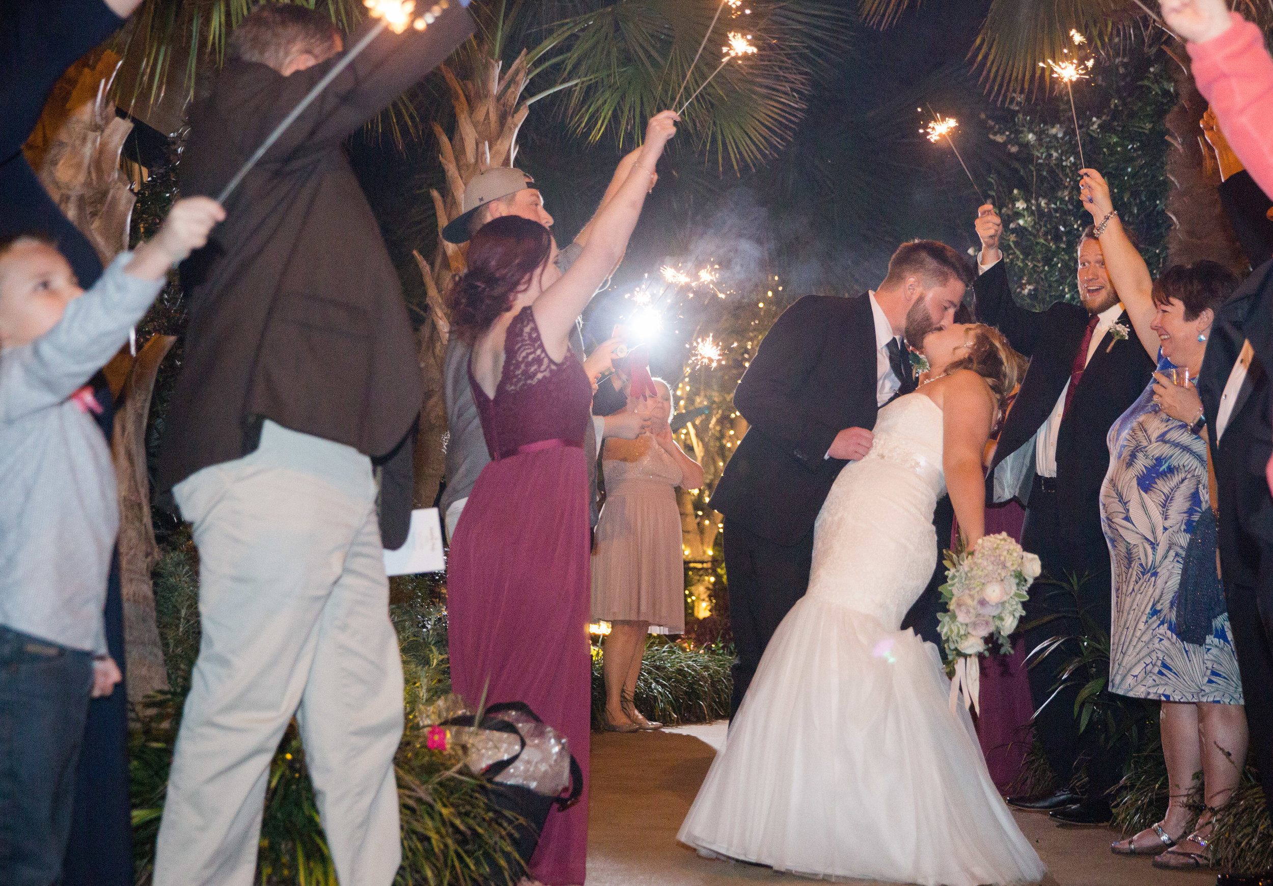 Sarah + Trevor: Relaxed Columbia Wedding at the River Road and Jasmine Houses | Palmetto State Weddings