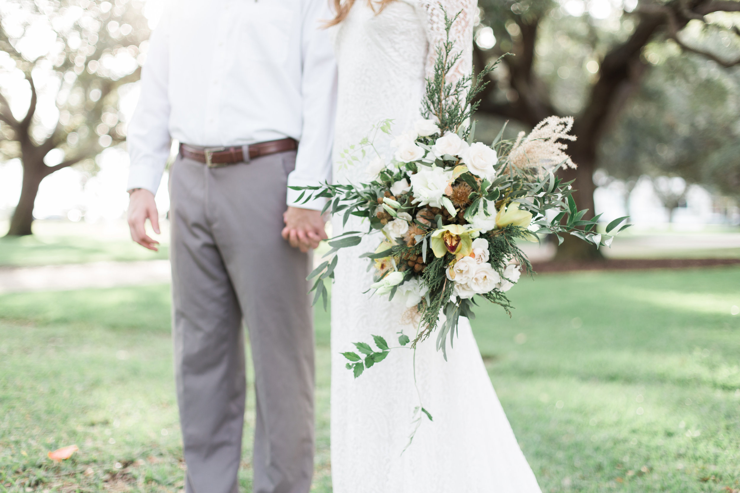 Wedding Inspiration: Downtown Charleston Elopement Styled Shoot | Palmetto State Weddings