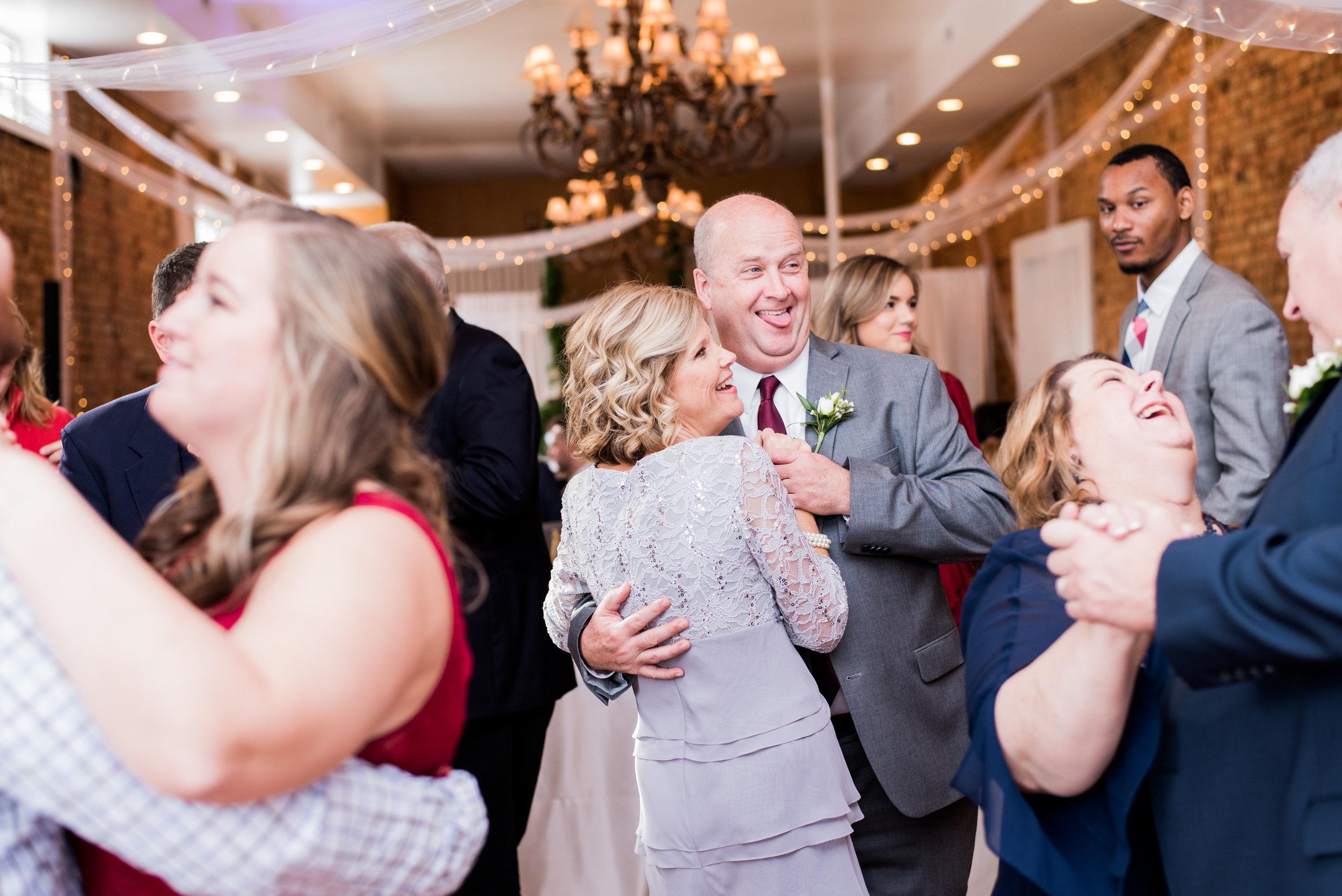 Kasey + Dillon: Elegant Hometown Wedding at the Davenport, Greer, South Carolina   Palmetto State Weddings