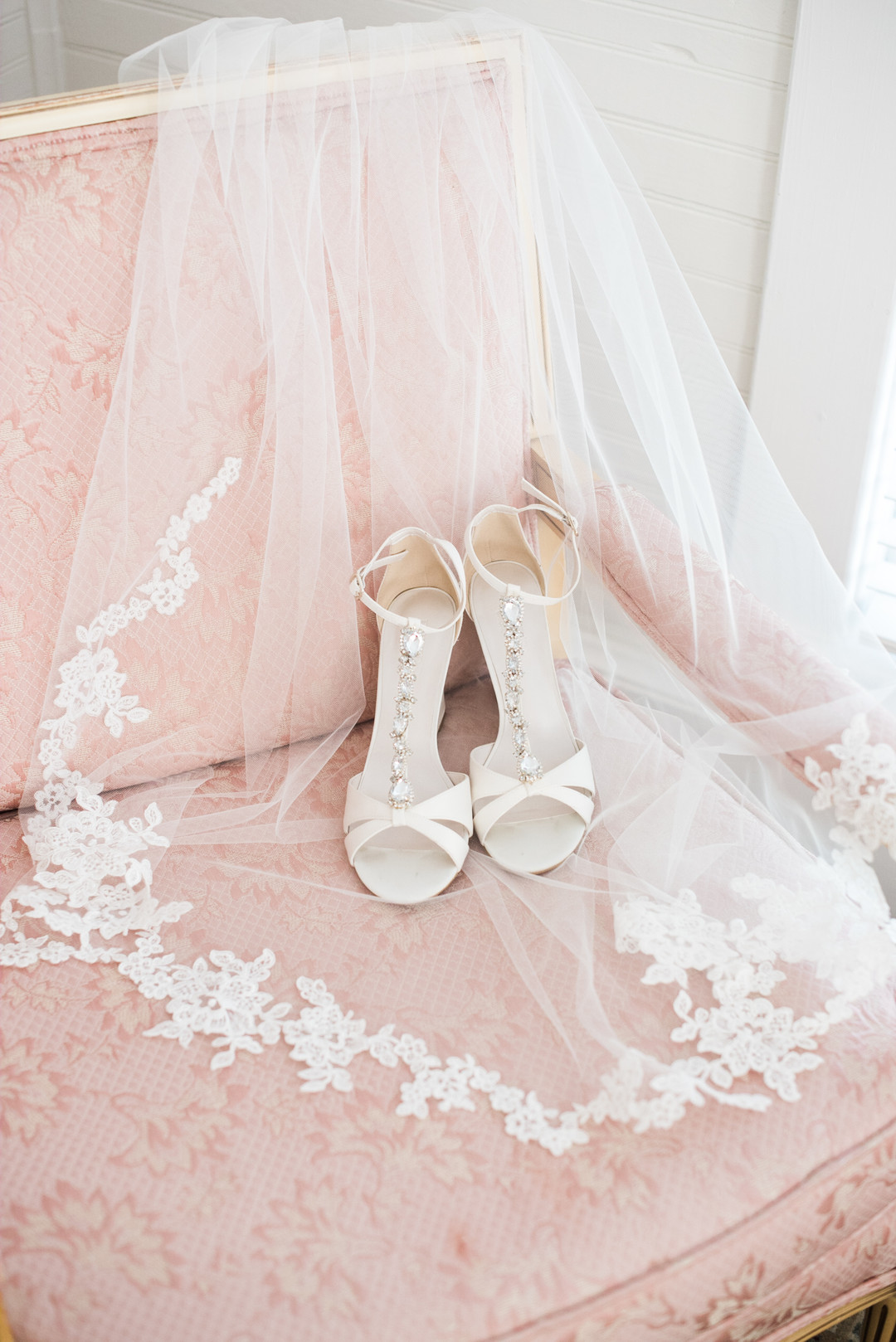 Megan + Nic: Romantic Victorian Wedding at Ellery Farms | Palmetto State Weddings