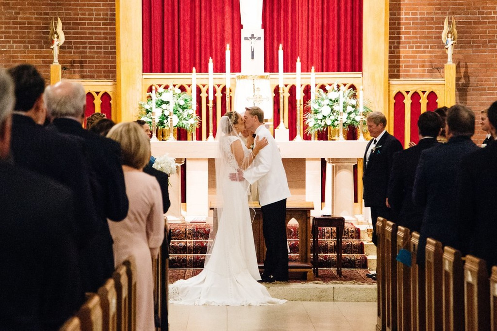 Frances + Steven: Teal and Gold Wedding at Sacred Heart Catholic Church | Palmetto State Weddings