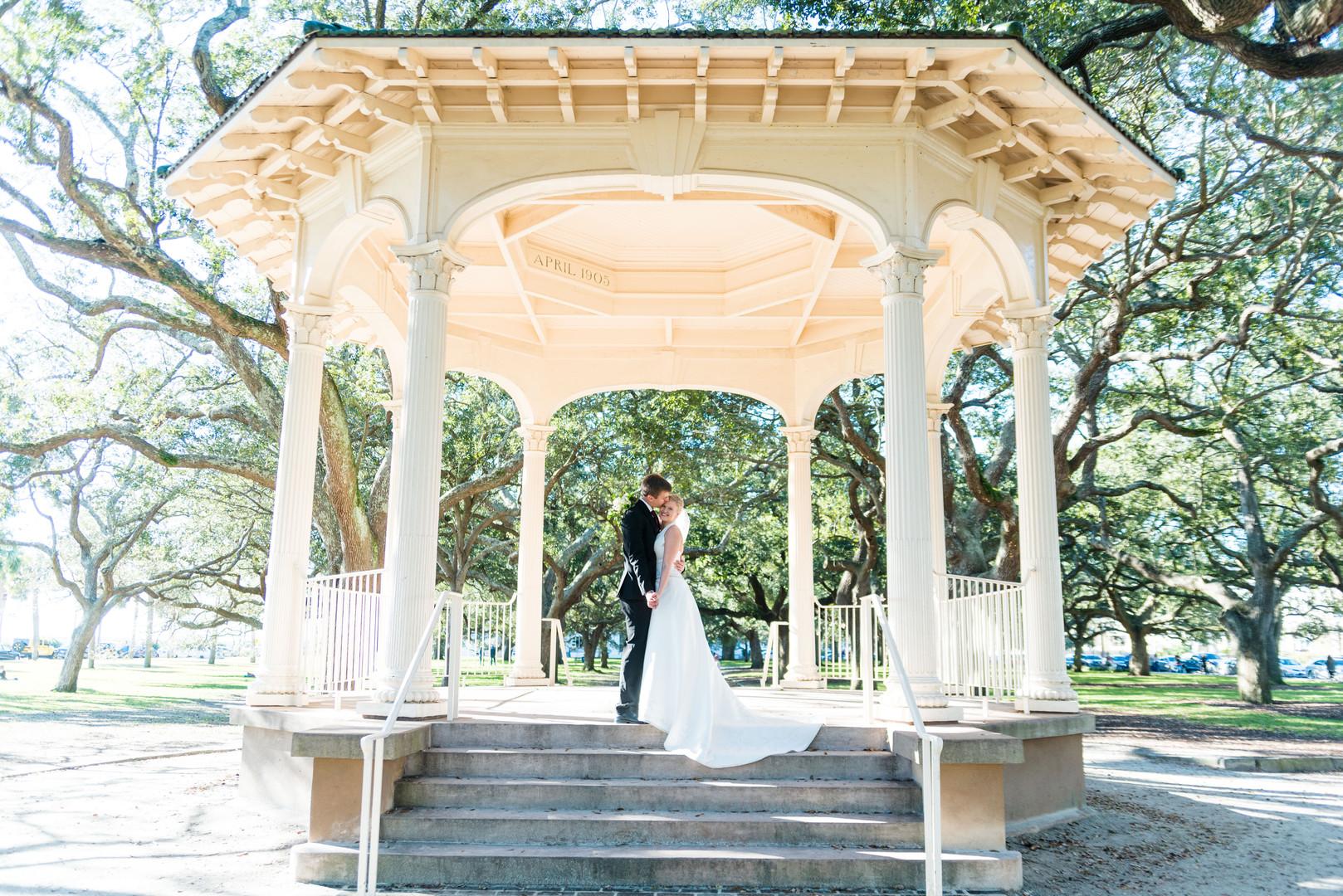 Lydia + Seth: Effortless Charleston Charm at Merchants Hall | Palmetto State Weddings