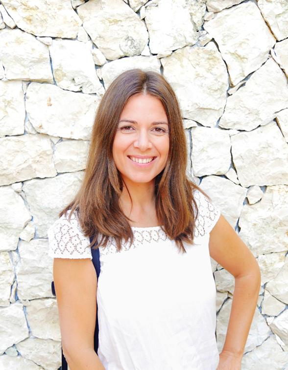 Bienvenue sur mon blog,  Je suis Muriel Touati, consultante Webmarketing et réseaux sociaux, community manager freelance et copywriter. J'aide les entreprises à atteindre ses objectifs sur le web, comme par exemple générer plus de prospects, fidéliser ses clients, gagner des parts de marché ou développer sa notoriété…