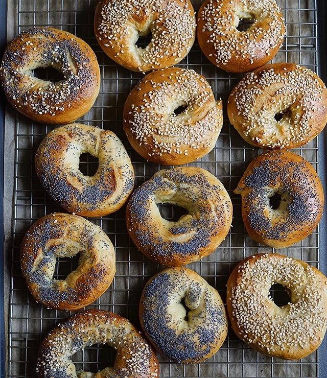 Sesame and Poppy Seed Bagels// First of all, wow- thank you for all the support on my previous post! Here are some homemade bagels cuz we're having a long, cold, snowy weekend which is perfect weather for a baking project!