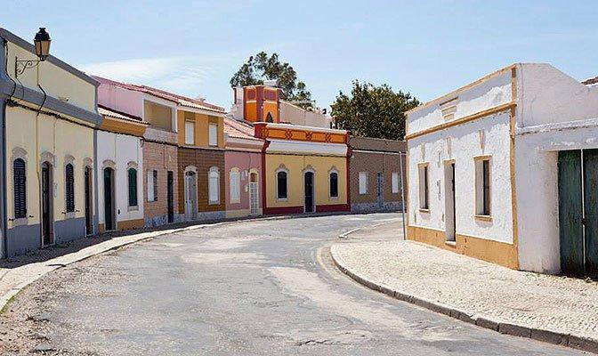 53051114223ff-modern_vacation_rentals_castro_marim_portugal_10.jpg