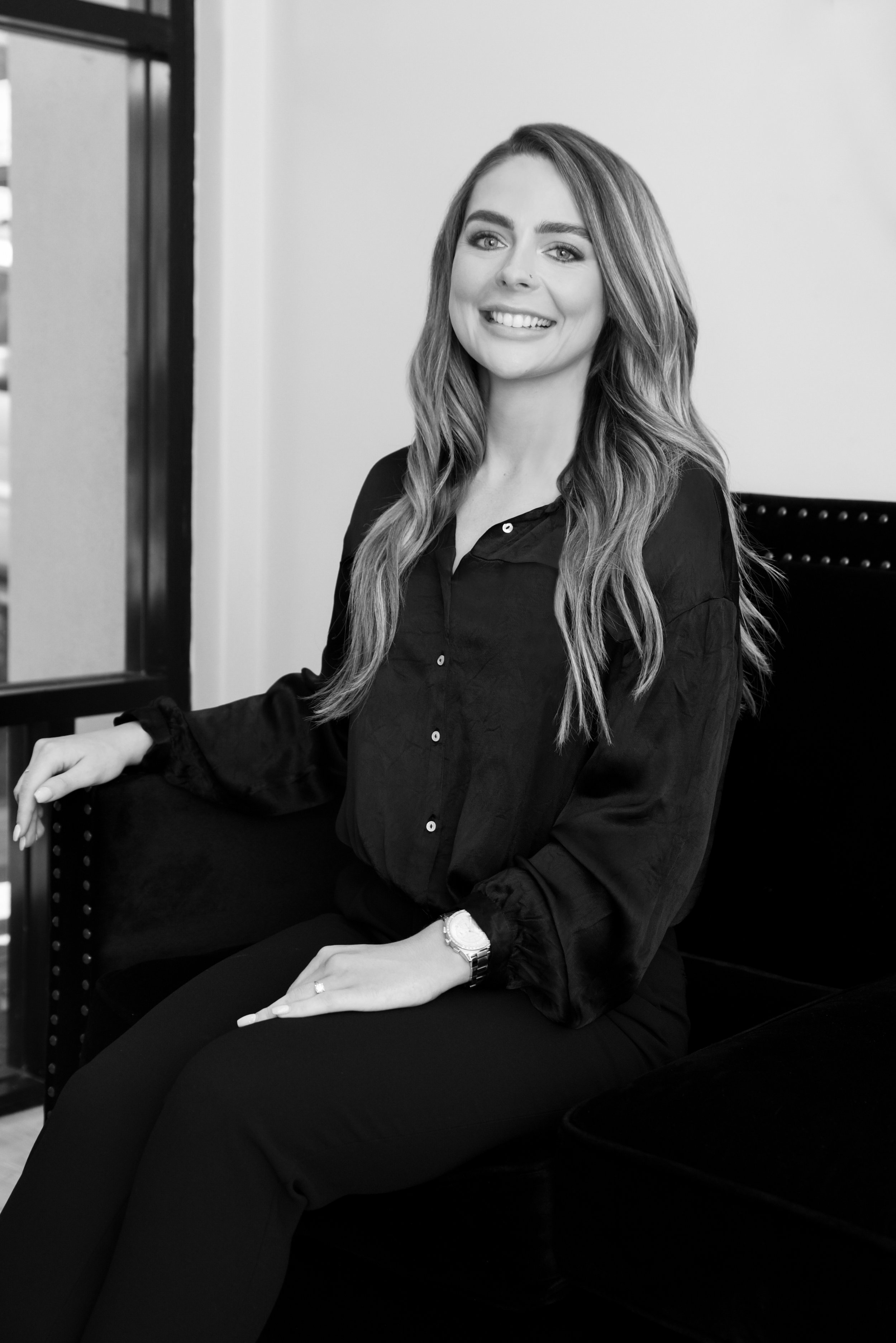 MEET RACHEAL - ADVANCED EYEBROW ARTIST & COSMETIC TATTOOISTFOUNDER OF THE YOUR EYES ONLY BROW STUDIOMy brow obsession in began 2009 in a little town just out of Auckland. I developed an eye for giving woman the perfect brow arch that lifted the eyes to wipe years off their look.When I first begun - the dreaded 90's brow phase was in full force - it was my personal mission to help women try and regrow their beautiful arches so their brows were full again. Unfortunately, in some cases, brow hairs just don't grow back after many years of over-tweezing. I found tinting just didn't last long, so sought out the next best options for my clientele.Cosmetic tattooing at the time looked very unnatural and too dark, I was a little apprehensive about semi-permanent options until I found Microblading. I was able to create my own technique that created little hair like strokes in the eyebrows that lasted over a year.Microblading allows me to give women fabulous eyebrows - no matter what they come in with, whether it's having brows that no longer grow hair, sparse hair, patchy brows or even Alopecia suffers - no problem is too big for me.To date I have created over 2000 sets of eyebrows, and I can tell you there is no 'one-size fits all' getting the right shape to suit your age, face shape, and hair colour is paramount to achieve a long lasting natural looking result.I now travel between Australia and New Zealand for my brow clientele, and have just launched a training academy to help other aspiring brow artist learn and grow.There's no stopping this brow empire!