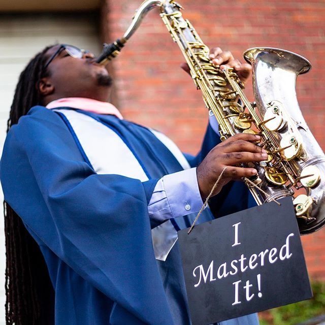 I'm kind of late lol but I hope you guys enjoy my graduation pictures! They feature my mom, aunt, and little sister! 📸: @productivelensstudio @brandon_pls_fountain • • • • • • #masters #music #musician #neworleans #sax #jazz #uno