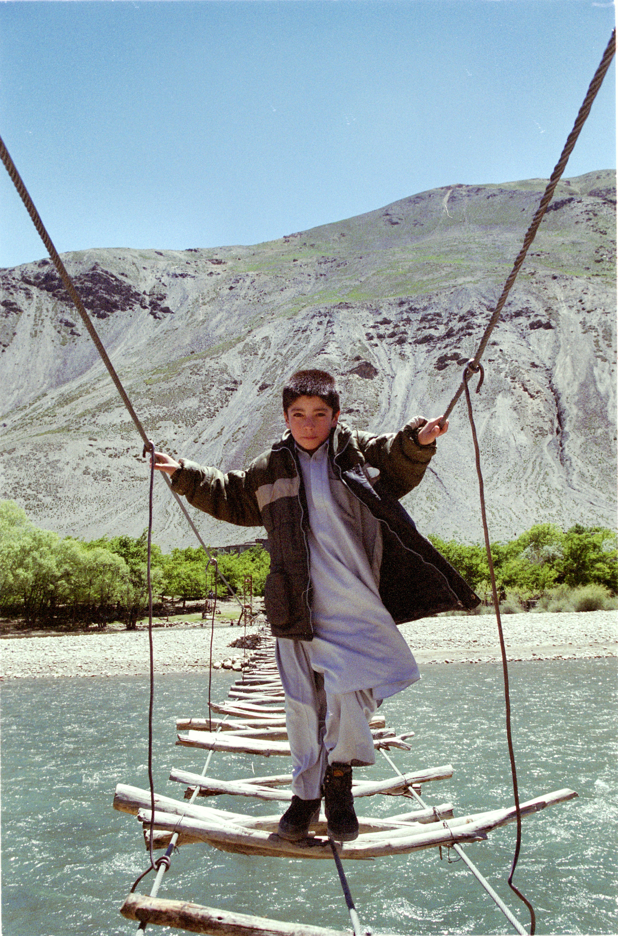 panjshir valley boy.e.jpg