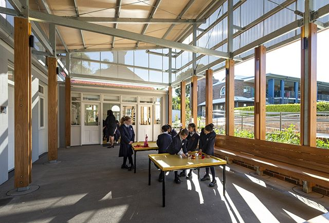 """Meriden After Care Learning Centre is a modern and flexible learning area for the school. This building provides upgraded facilities for teachers and students of After Care Learning Centre aswell as becoming a """"free-play"""" flexible facility. It maximises natural light and space by using natural materials. . . 📷: #architectsajc 🌴: @oculusstudios 🏠: @sdastructures . . @Meriden_school  #educationweek #schooldesign #schoolarchitecture #nswschool #flexiblelearning"""