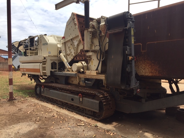 Figure 5:  Mobile Screen - Metso Locotrack ST 4.8 and Mobile Rotary Crusher - Metso Locotrack LT 1213
