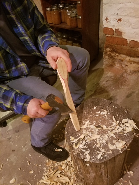 spoon carving3.jpg
