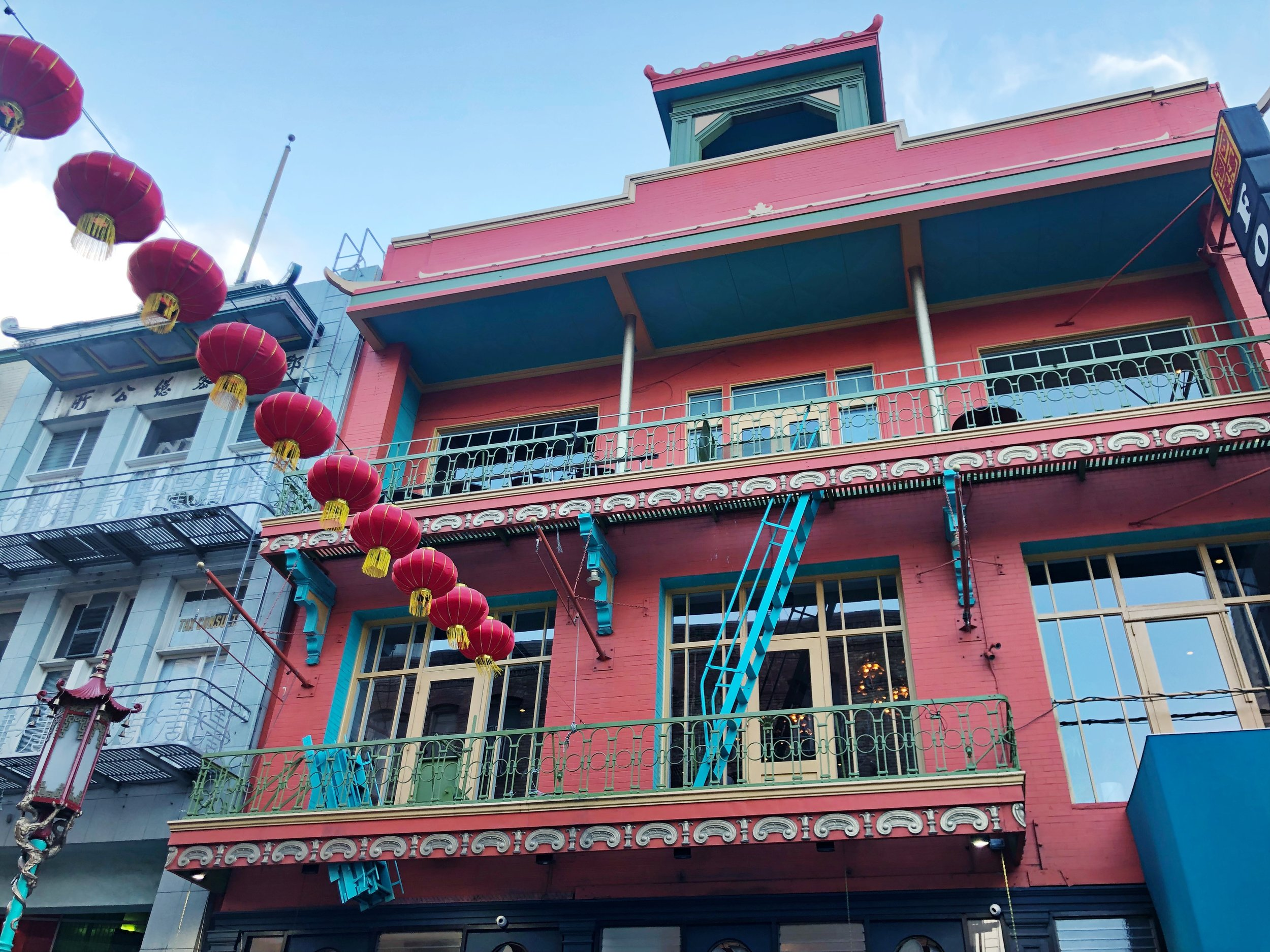 Colorful buildings can be appreciated in San Francisco's Chinatown